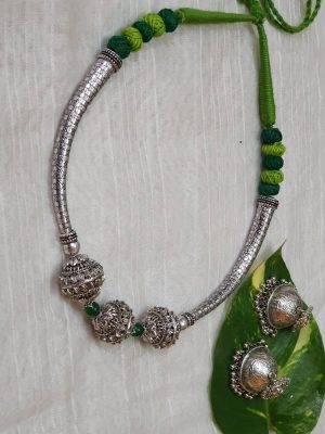 Dhovana Beads Necklace Set