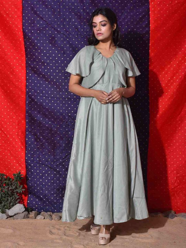 overlapped sleeves gown