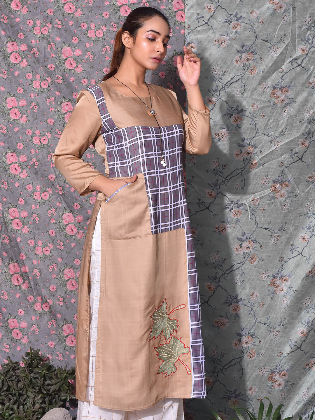 Checks Kurti With Side Pocket
