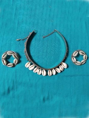 Handmade Shell Necklace Set